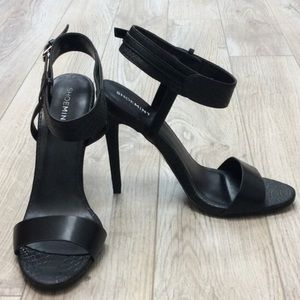 Ankle strapped sandal high heel